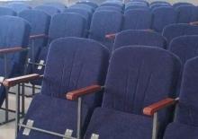 Кресла для зрительного зала: оптимальный выбор