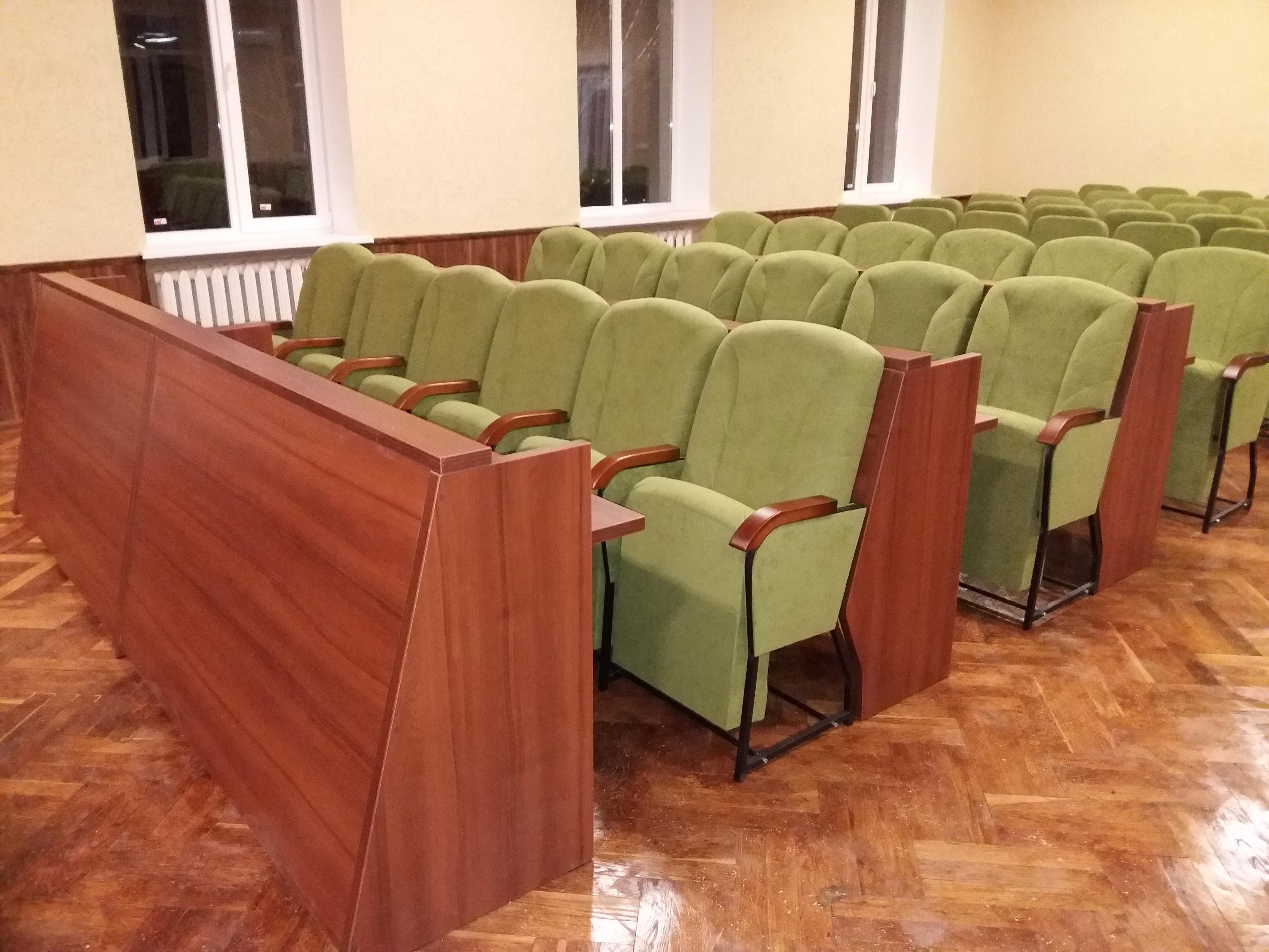 Кресла для сессионных залов и залов заседаний Спикер Универсал с откидными столиками 1