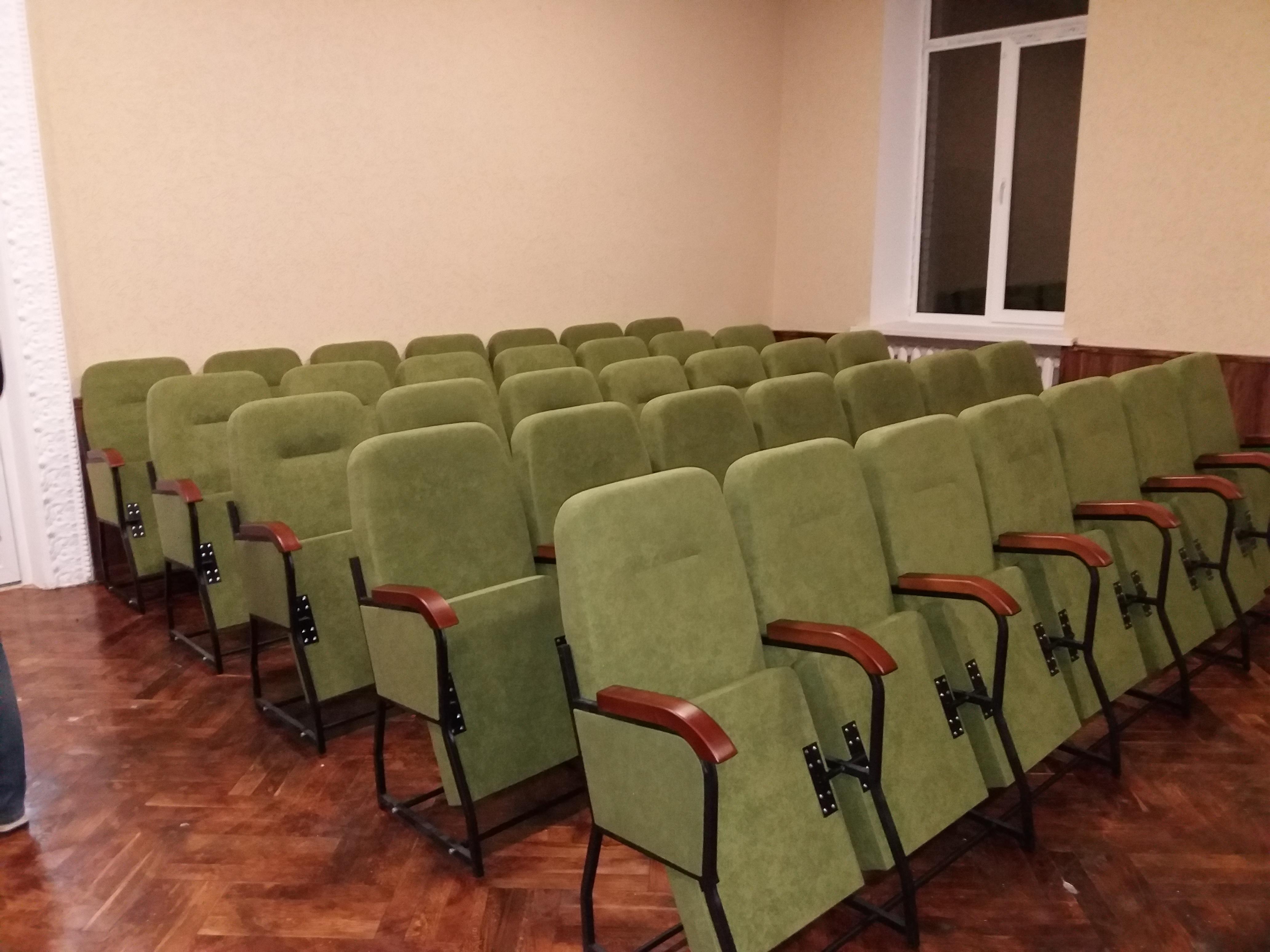 Кресла для сессионных залов и залов заседаний Спикер Универсал с откидными столиками 5