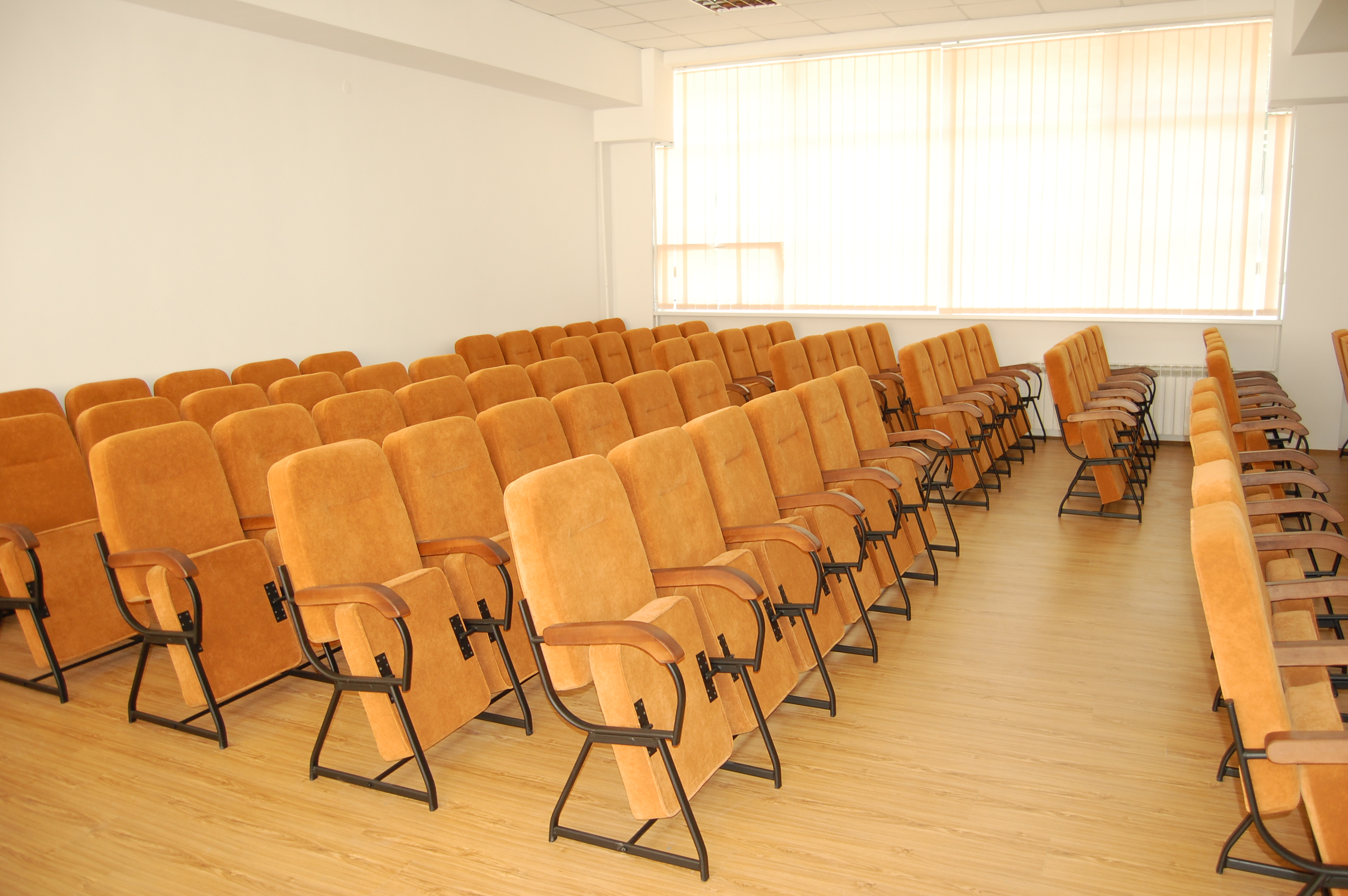Кресла для актового зала Стюард Универсал 2