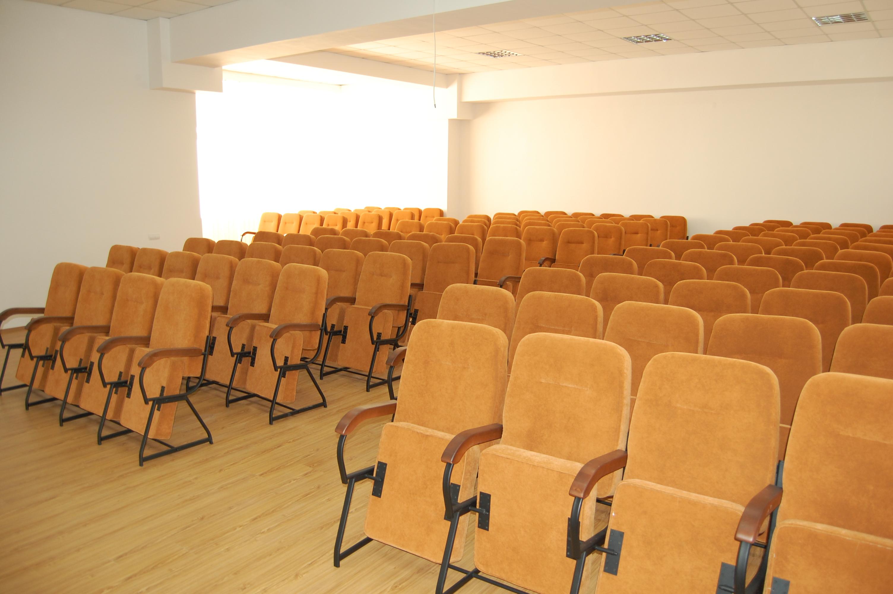 Кресла для актового зала Стюард Универсал 1