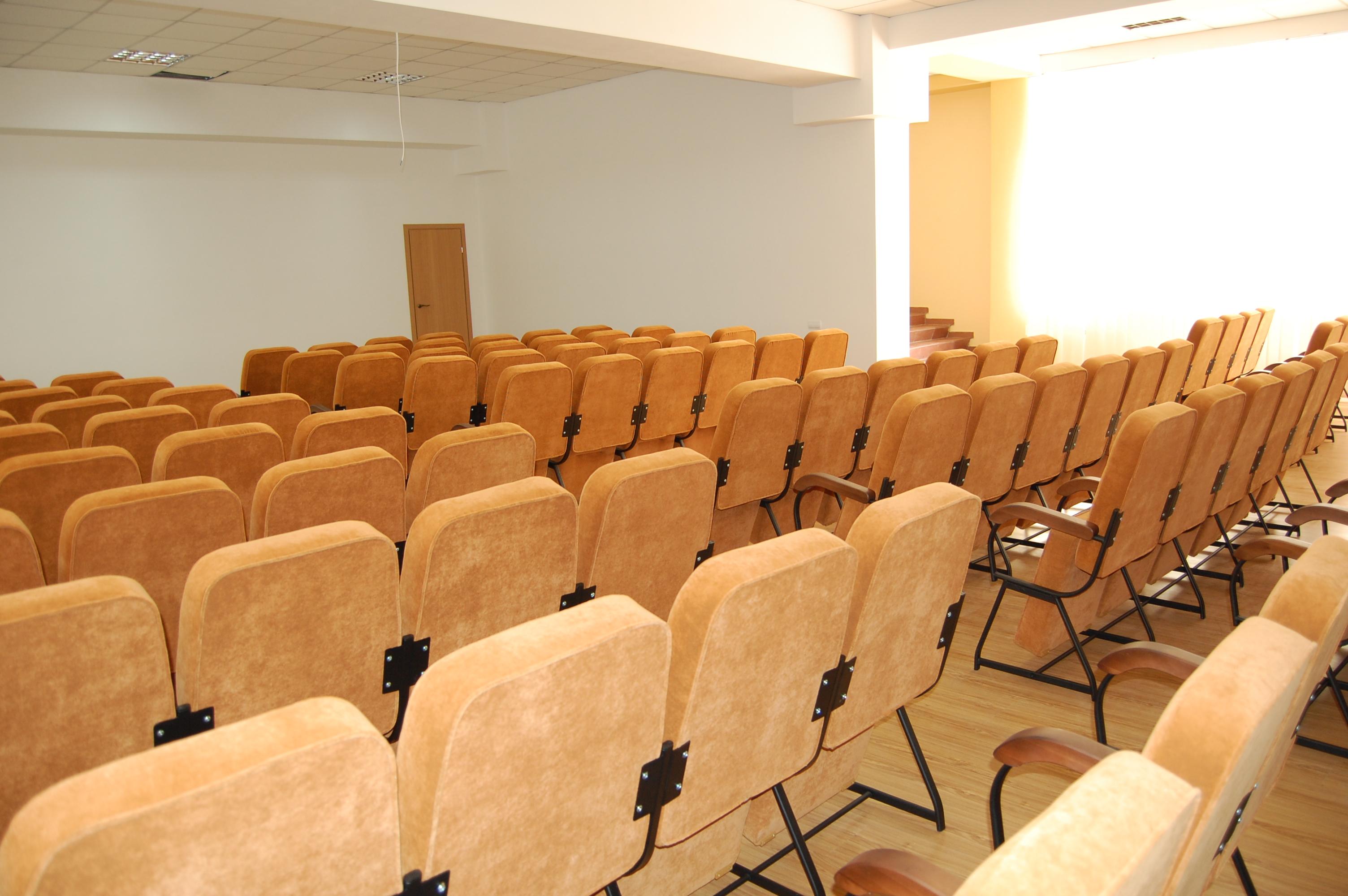 Кресла для актового зала Стюард Универсал 3