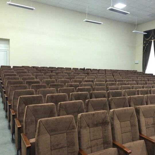 Театральные кресла для зрительного зала 2